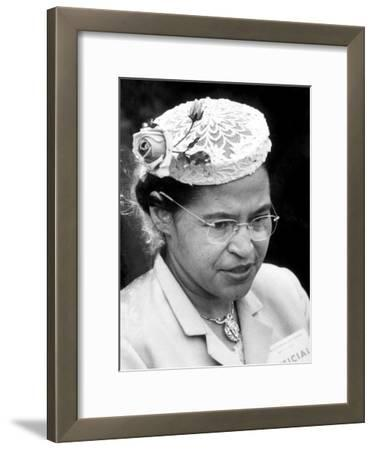 Rosa Parks Woman Who Touched Off Montgomery, Alabama Bus Boycott by African Americans