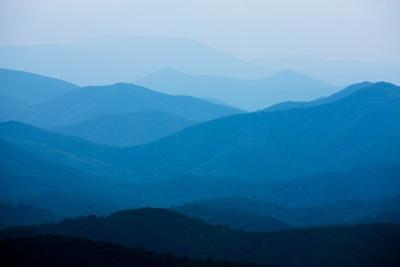 Blue Mountains, Blue Ridge Parkway, Virginia by Paul Souders