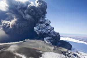 Eyjafjallajokull Volcano Erupting in Iceland by Paul Souders