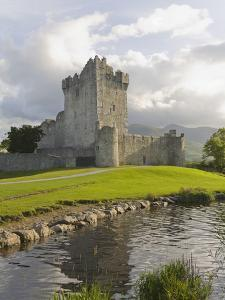 Ross Castle by Paul Thompson