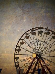 Vintage Ferris Wheel at the Ohio State Fair by pdb1