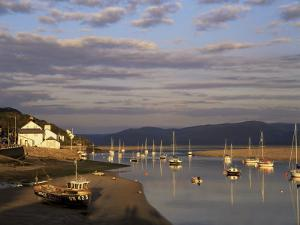 Boats in the Evening Sun at Low Tide on the Dovey Estuary, Aberdovey, Gwynedd, Wales by Pearl Bucknall