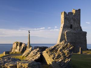 Porth Newydd on Castle Point, Aberystwyth, Ceredigion, Dyfed, Wales, UK by Pearl Bucknall