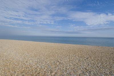 https://imgc.artprintimages.com/img/print/pebble-beach-bexhill-on-sea-east-sussex-england_u-l-q12rpja0.jpg?p=0