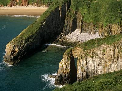 Pembrokeshire, Skrinkle Haven on the South Coast of Pembrokeshire, Wales-Paul Harris-Photographic Print