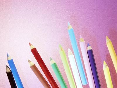 https://imgc.artprintimages.com/img/print/pencil-crayons_u-l-pzh02k0.jpg?p=0