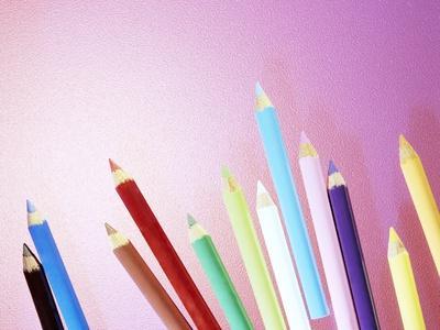 https://imgc.artprintimages.com/img/print/pencil-crayons_u-l-pzh02l0.jpg?p=0