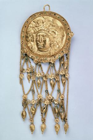 https://imgc.artprintimages.com/img/print/pendant-with-head-of-athena-parthenos-early-4th-century-bc_u-l-q10llt90.jpg?p=0