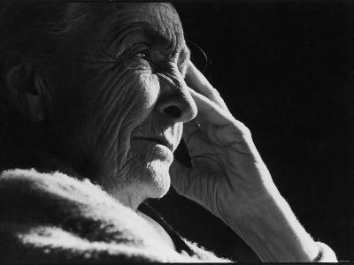 Pensive Portrait of Artist Georgia O'Keeffe-John Loengard-Premium Photographic Print