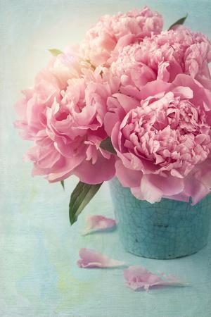 https://imgc.artprintimages.com/img/print/peony-flowers-in-a-vase_u-l-q1037l60.jpg?p=0