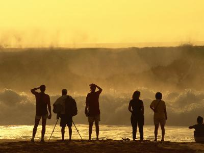 People Checking Out Waves, Banzai Pipeline, North Shore, at Sunset, U.S.A.-Ann Cecil-Photographic Print