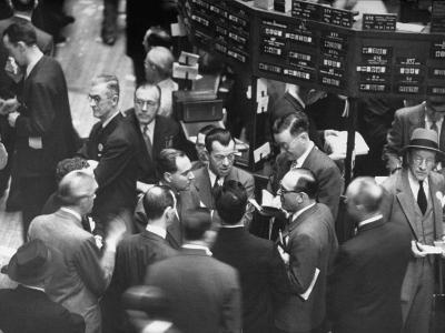 People Crowding the Stock Exchange Building-Charles E^ Steinheimer-Photographic Print