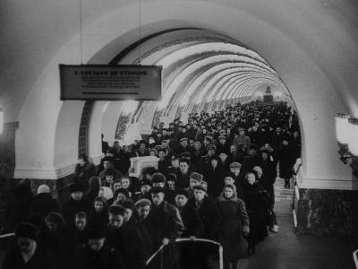 People Crowding Through Station in New Subway-Ed Clark-Photographic Print