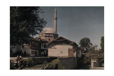 https://imgc.artprintimages.com/img/print/people-standing-outside-of-the-sinan-pasha-mosque_u-l-pojwp60.jpg?p=0