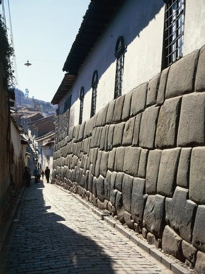Peru, Cuzco, Wall of an Inca Building in Calle Hatunrumioc--Giclee Print