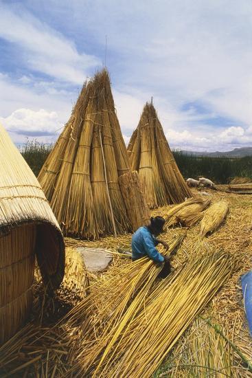 Peruvian Man Building 'Balsas'--Photographic Print