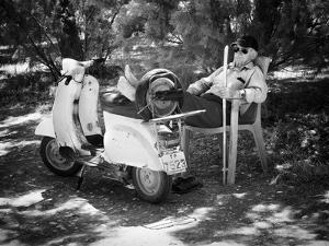 Vespa a Riposo by Pete Richardson