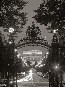 Arc de Triomphe, Paris, France by Peter Adams