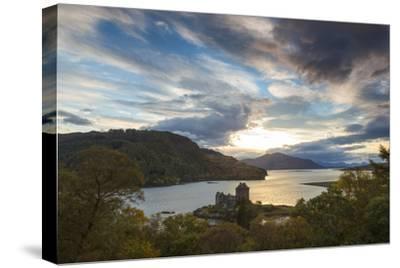 Eilean Donan Castle, Nr Dornie, Loch Alsh, Wester Ross, Western Highlands, Scotland, UK