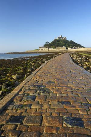 Causeway to St. Michaels Mount, Penzance, Cornwall, England, United Kingdom, Europe
