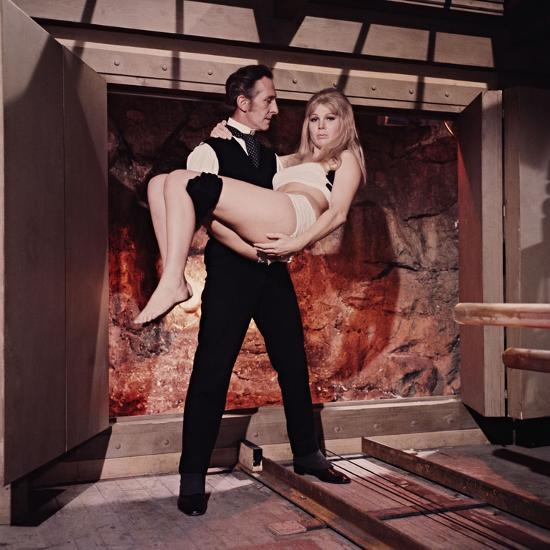 Peter Cushing, Susan Denberg, Frankenstein Created Woman, 1967--Photographic Print