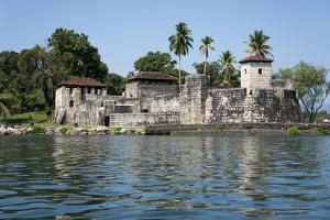 Fort San Felipe de Lara, Rio Dulce, Guatemala, Central America by Peter Groenendijk