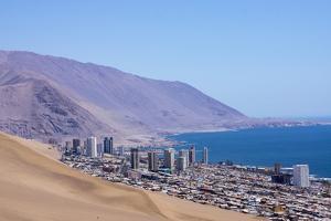 Iquiquie, Atacama Desert, Chile by Peter Groenendijk