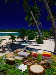Banquet on Beach, Cook Islands by Peter Hendrie