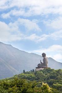 Tian Tan Budda on Lantau by Peter Kindersley