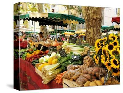 Fruit and Vegetable Market, Aix-En-Provence, Bouches-Du-Rhone, Provence, France, Europe