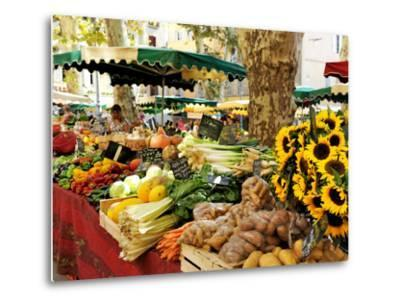 Fruit and Vegetable Market, Aix-En-Provence, Bouches-Du-Rhone, Provence, France, Europe