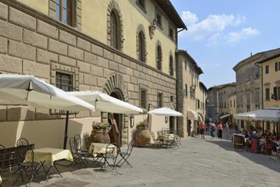 Shops and Restaurants, Via Ferruccio, Castellina in Chianti, Siena Province, Tuscany, Italy, Europe