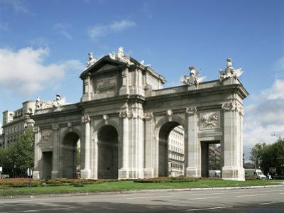 Alcala Gate, Madrid, Spain by Peter Scholey