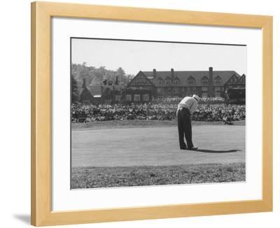 Ed Furgol, Sinking Final Put, and Wins the National Open Golf Tournament at Baltusrol Golf Club