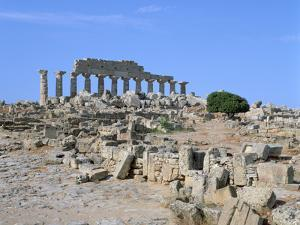 Acropolis, Selinunte, Sicily, Italy by Peter Thompson