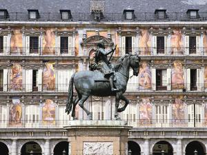 Equestrian Statue of King Philip Iii, Plaza Mayor, Madrid, Spain by Peter Thompson