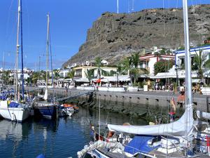 Harbour of Puerto De Mogan, Gran Canaria, Canary Islands by Peter Thompson