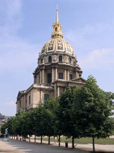 Les Invalides, Paris, France by Peter Thompson