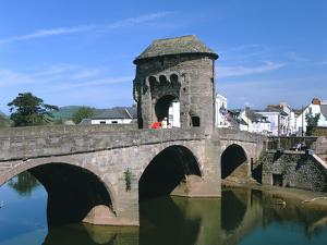 Narrow Bridge, Monmouth, Monmouthshire, Wales by Peter Thompson