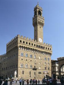 Piazza Della Signoria and Palazzo Vecchio, Florence, Italy by Peter Thompson