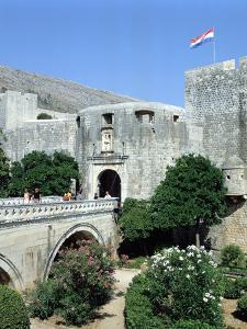Pile Gate, Dubrovnik, Croatia by Peter Thompson