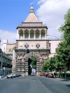 Porta Nuova, Palermo, Sicily, Italy by Peter Thompson