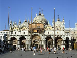 St Marks Basilica, Venice, Italy by Peter Thompson