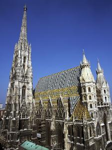 St Stephens Cathedral, (Stephansdom), Vienna, Austria by Peter Thompson