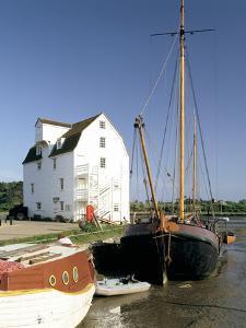 Tide Mill, Woodbridge, Suffolk, England by Peter Thompson