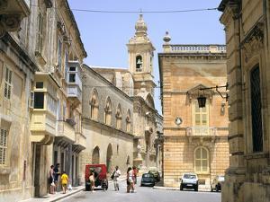 Villegangrios Street, Mdina, Malta by Peter Thompson