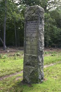 Willett memorial, Petts Wood, Kent, 2005 by Peter Thompson