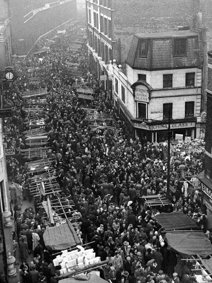 Petticoat Lane 1948-George Greenwell-Photographic Print