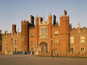 Hampton Court Palace, Greater London, England, United Kingdom by Philip Craven