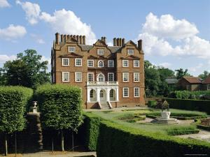 Kew Palace and Kew Gardens, London, England, UK by Philip Craven